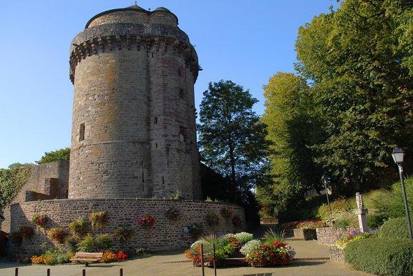Montfort Tour_Papegault