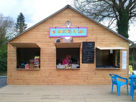 Les loupiots du Lac - jeux gonflables - Taupont - Brocéliande - Bretagne