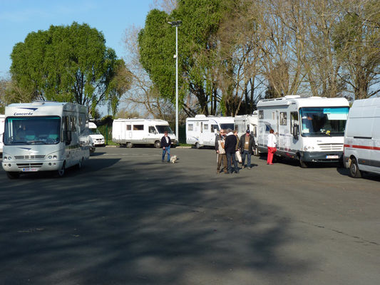 angers-val-de-loire-aire-camping-car-couffon