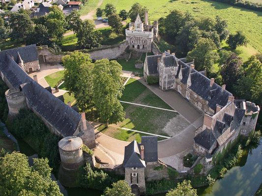 chateau-du-plessis-mace-1-1377467