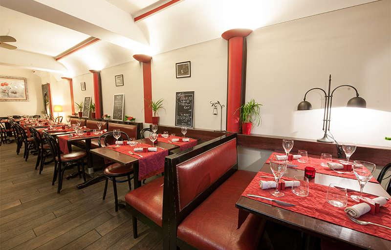 Les Banquettes Rouges Traditional Cuisine Blois Tourist Office Blois Chambord Loire Valley