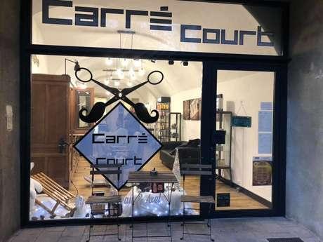 """COIFFEUR """"CARRÉ-COURT"""""""
