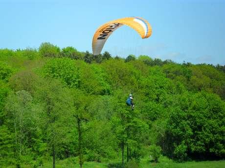 Les Condors: Club en school voor Paragliding en Paramotor