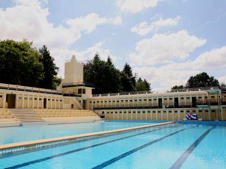 La piscine Art déco s'affiche