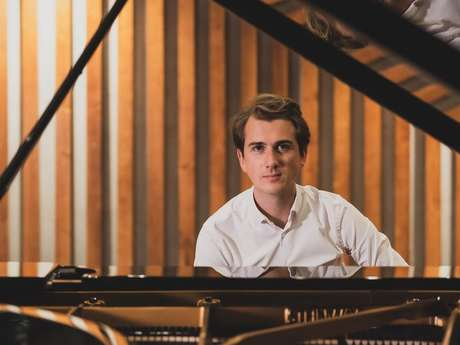 Récital du pianiste Mathieu Idmtal