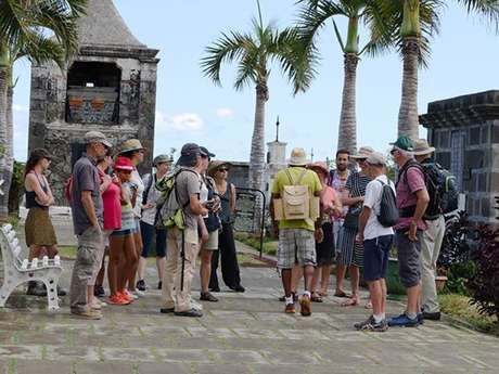 ZARLOR GUIDED TOUR OF THE TOWN - SAINT PAUL - IN THE FOOTSTEPS OF THE FIRST SETTLERS