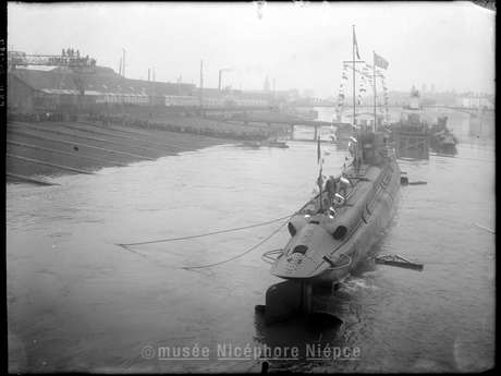 Voyagez dans le temps en naviguant sur la Saône