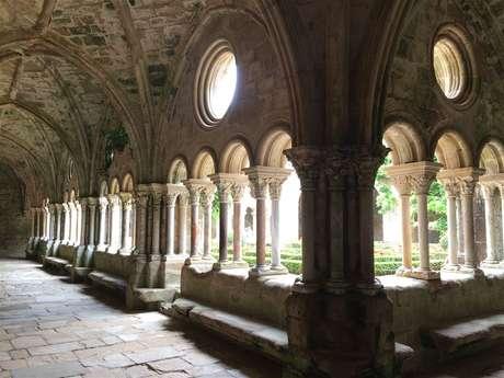 Excursion partagée en minibus - Journée - Abbaye de Fontfroide & village de Lagrasse - F/GB - Trésor Languedoc Tours