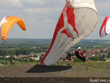"""Paraglidingclub """"Les Ailes du Levant"""""""