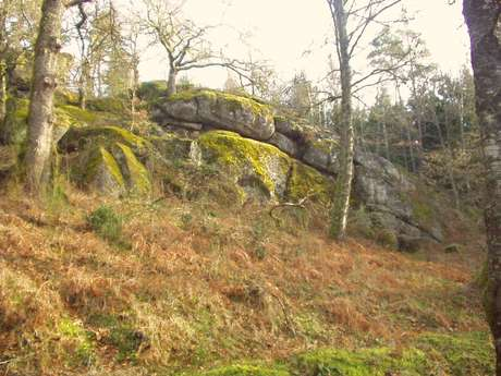 Sentier d'interprétation des pierres fades