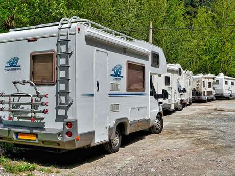 Aire de camping-car (camping Saint Savin)
