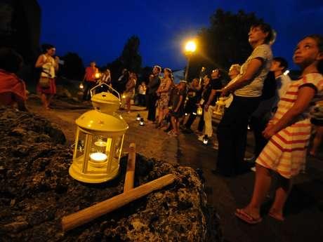 Diable, sorcières et seigneurs maudits : balade contée nocturne côté pierres