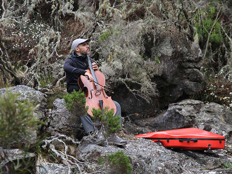 Zarlor Musical guided hike – Maïdo