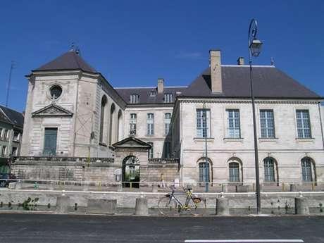 Fermeture temporaire de l'Apothicairerie de l'Hôtel-Dieu-le-Comte