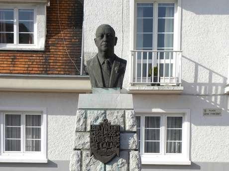 Le buste de Léon Vincent