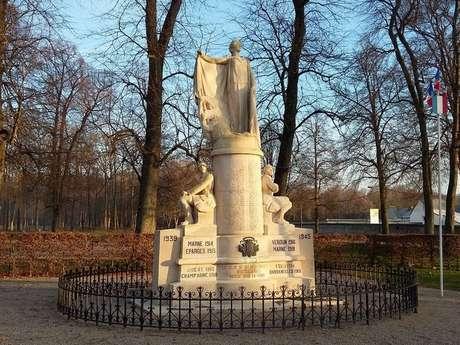 Monument aux Morts de Villers-Cotterêts
