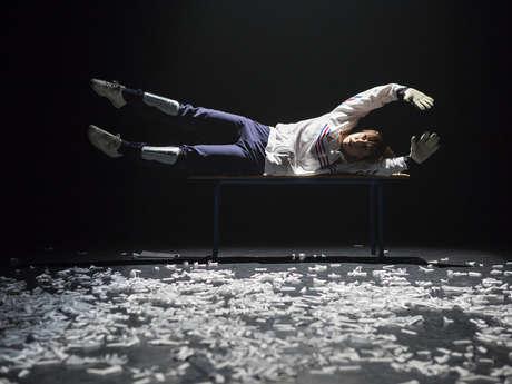 « Le syndrome du banc de touche » (Théâtre)