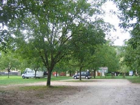 Aire privée de camping-car de Saint-Vincent-de-Cosse