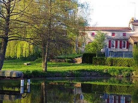 """Gîte """"Le Moulin de Buzenet"""""""