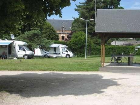Aire de camping-car du camping du Moulin à Tan