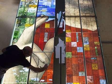 Images et lumière : le vitrail contemporain en France