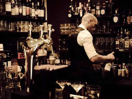 L'Escalier - Salon&Bar