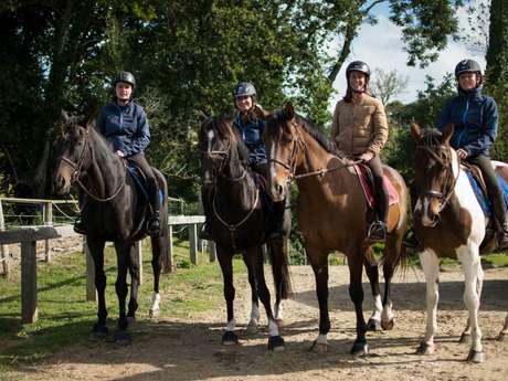 Balades et randonnées équestres: Centre des Cognets