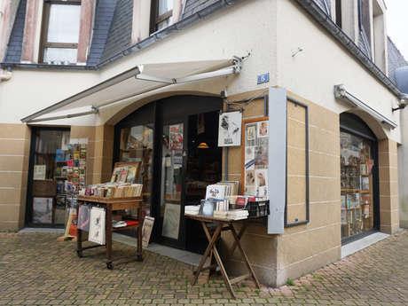 Trésors et Merveilles - Librairie ancienne et petite brocante
