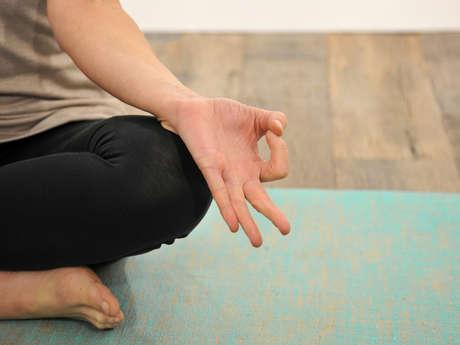 Méditation assise en silence