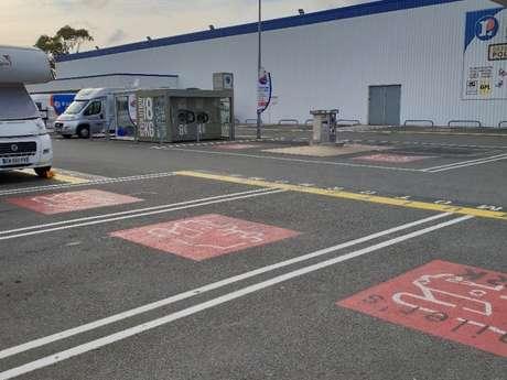Aire de services et stationnement - Centre Leclerc