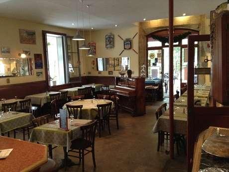 CAFE DE PLAISANCE