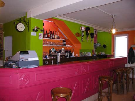 LE CENTRAL CAFÉ