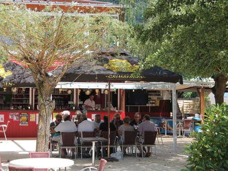 """Restaurant """"Aux Quatre Vins"""""""