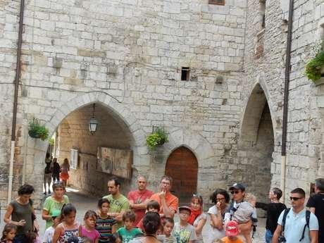"""Pays d'Art et d'Histoire : Visite Ludique en Famille """"Dans Tous les Sens"""""""