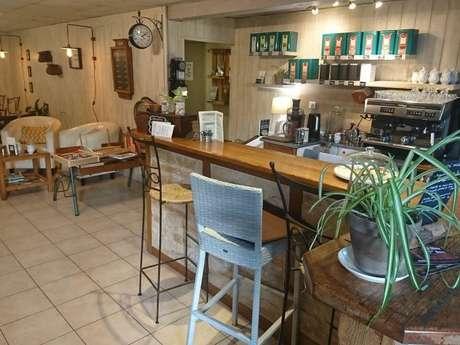 """Salon de thé - Restaurant """"Les Petits Ruisseaux"""""""