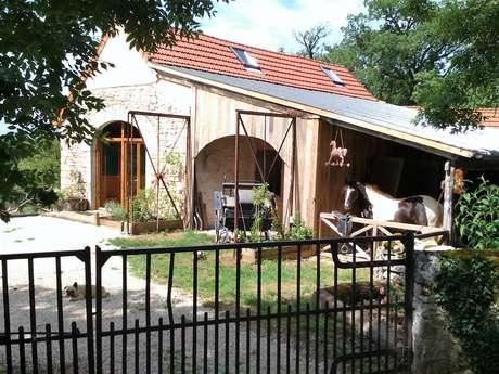 Le Cheval Qui Bêle - Gîte Western
