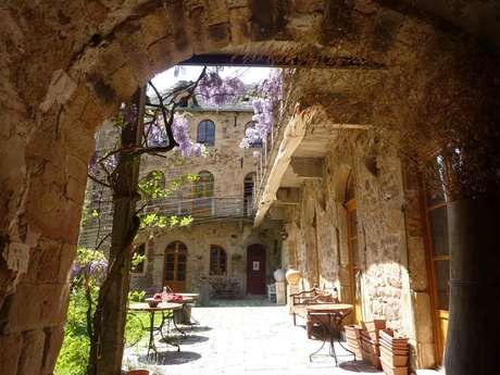 TERRE D'INSTANTS : HOTEL DU CHATEAU DE SALELLES
