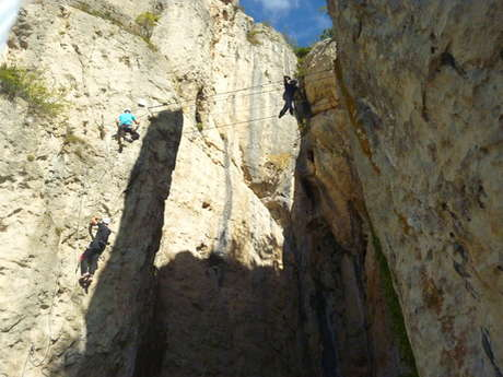 LOCATION DE MATERIEL VIA FERRATA SNACK DE LA VIA