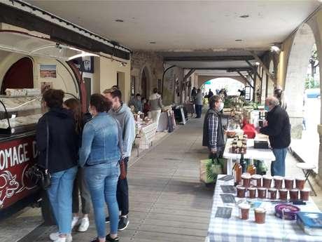 Marché de producteurs et d'artisans locaux et de région