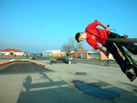 Aire de jeux multisports et skatepark