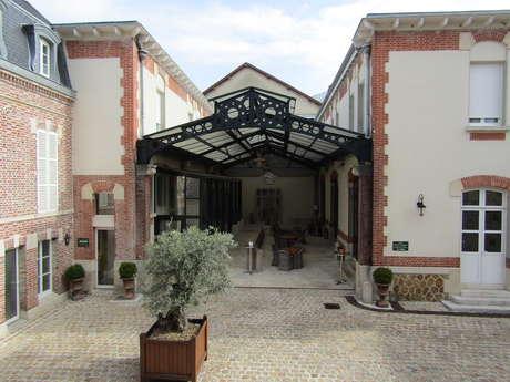 "Hôtel ""Castel Jeanson"""