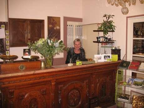 """Hôtel-Restaurant """"L'Auberge du Val des Bois"""""""