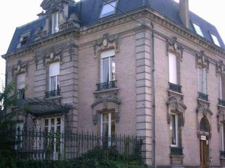 "Hôtel-restaurant ""Villa Saint Pierre"""