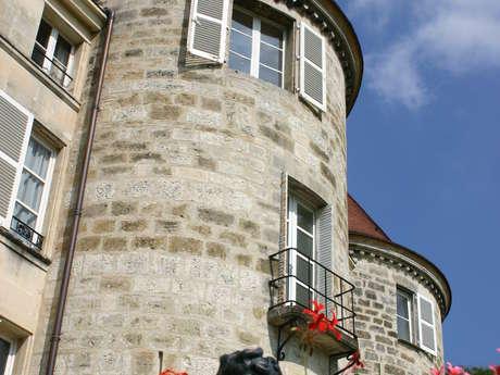 Du Château des Seigneurs de Dampierre au Parc de la  Sous-Préfecture