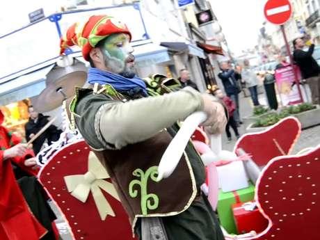 Spectacle déambulatoire : les Elfes-Fanfarfadets