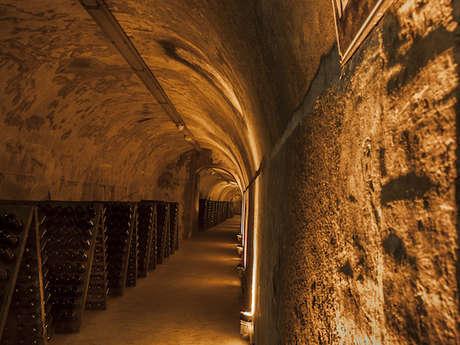 Maison de Champagne G.H. Mumm