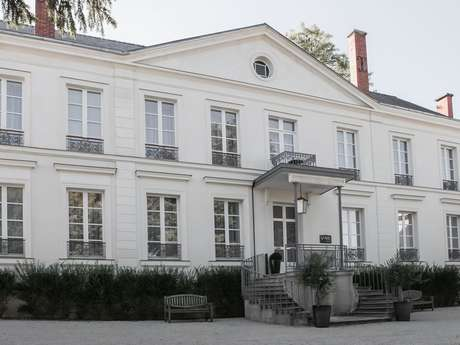"Hôtel-Restaurant ""Les Avisés"""