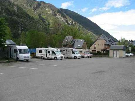 AIRE POUR CAMPING-CARS