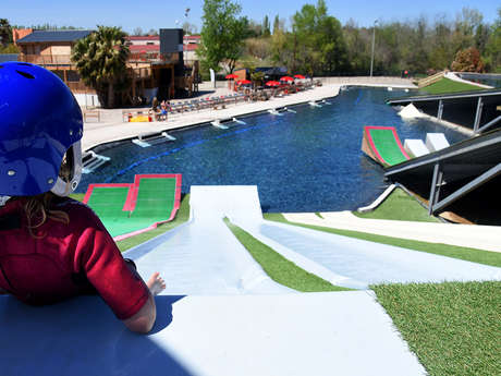 DROP IN WATER JUMP PARK