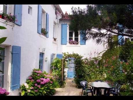 Chambre ''Rose trémière'' à Fontenay le Comte